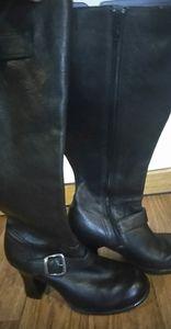Indigo genuine leather black boot, Size 8